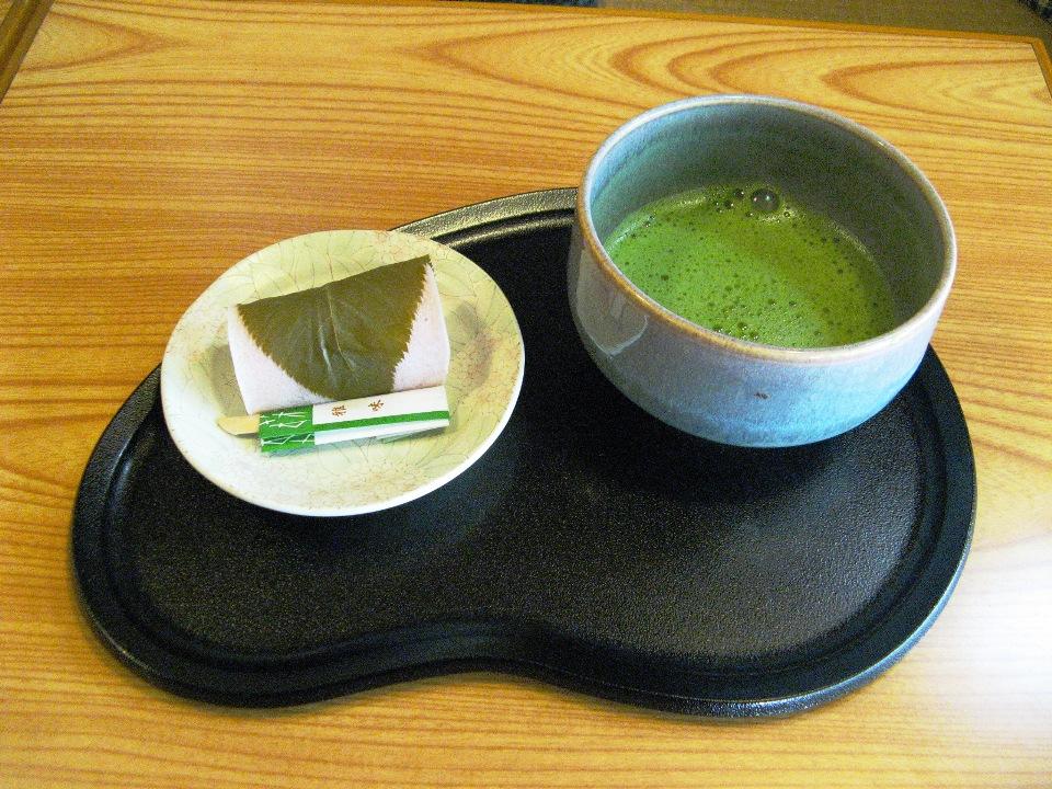 Per restare in salute, bevi il tè tutti i giorni
